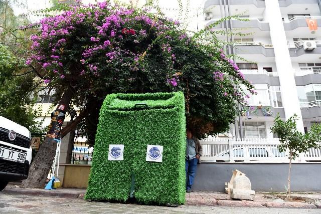 """Çöp Konteynırları da """"yeşilleniyor"""""""