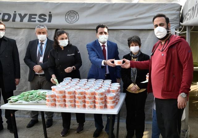 Eğitim camiasından sağlık çalışanlarına destek