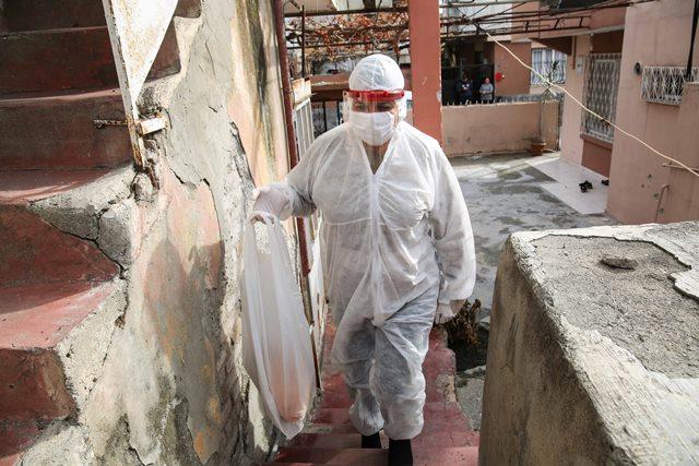 Pandemide hastaların taşınması ve iki öğün sıcak yemek hizmeti devam ediyor