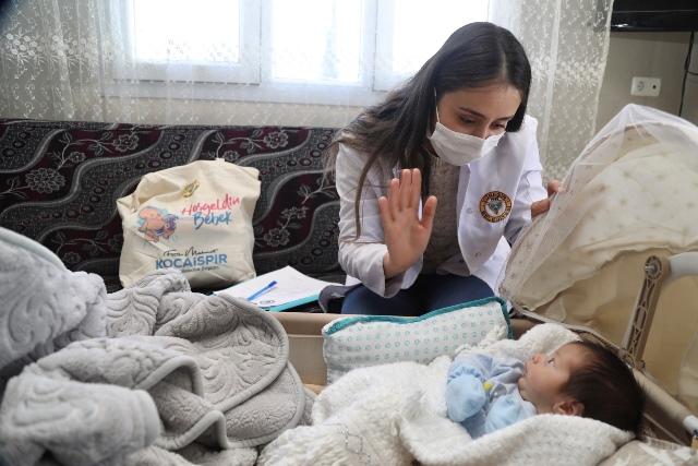 Yüreğir'de Yeni Doğan Bebeklere 'Hoş Geldin' Hediyesi