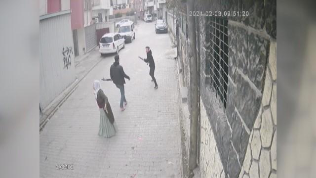 Adana'da 'Çocuk Gelin' kavgası kamerada