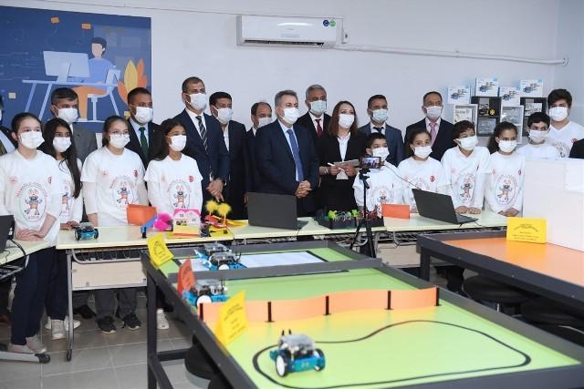 İmamoğlu'nda robotik kodlama sınıfı açıldı