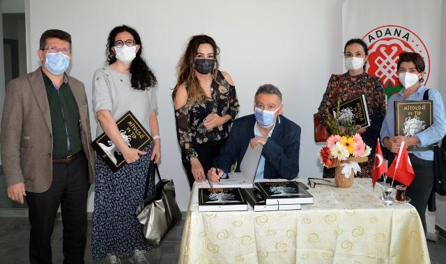 Doç. Dr. Ali İhsan Ökten, 'Mitoloji ve Tıp' Kitabını İmzaladı