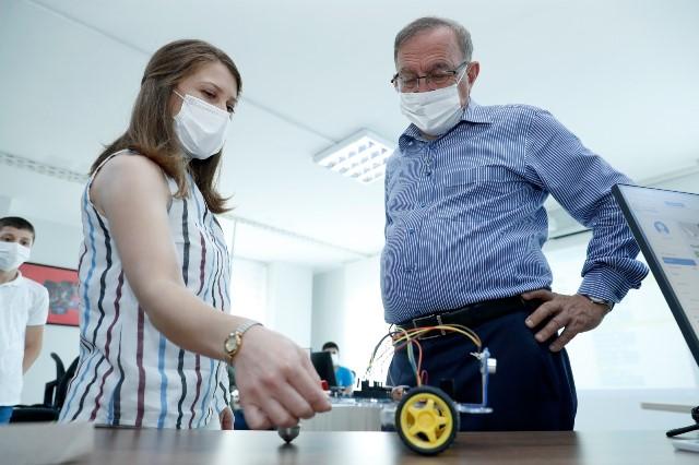 Robotik kodlama eğitiminin ilk programı tamamlandı