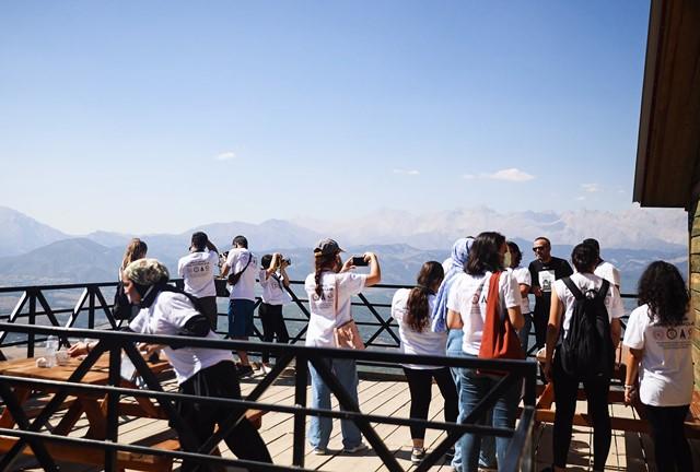 Arka Plandaki Genç Fotoğrafçılar Aladağ'da…