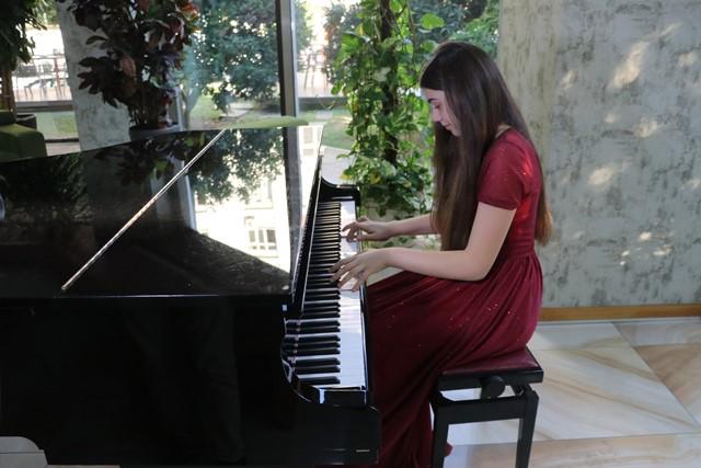 13 yaşındaki İlyun, ÇDSO ile Mozart'ın 13. senfonisini çalacak