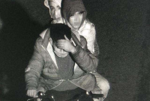Cep telefonu bayisini soydular, motosiklet çalıp kapkaç yaptılar