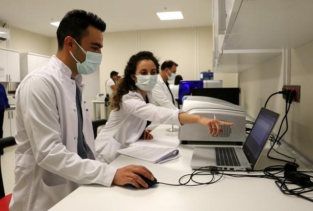 """""""Genetik Hastalıkları Tanı Merkezi"""" yurt dışına hasta göndermenin önüne geçti"""