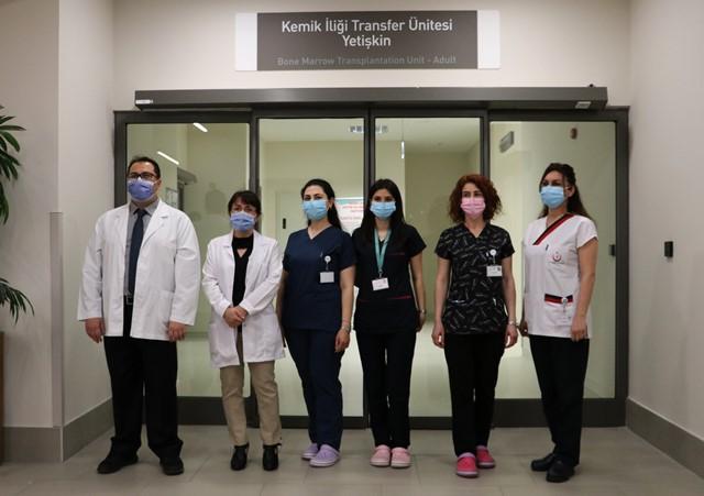 Kanser hastaları kemik iliği nakliyle hayata tutundu