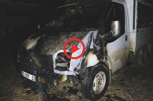 Adana'da bir kişi ağabeyinin kamyonetini kundakladı