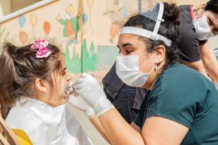 Seyhan Belediyesi'nden Çocuklara diş taraması