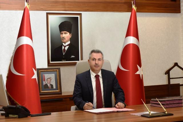 """Vali Elban: """"Adalet ve Güvenlik Terazisi Türk Polis Teşkilatı'nın 176. Yılı Kutlu Olsun"""""""