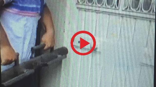 Polis kumar evlerine koçbaşıyla girdi