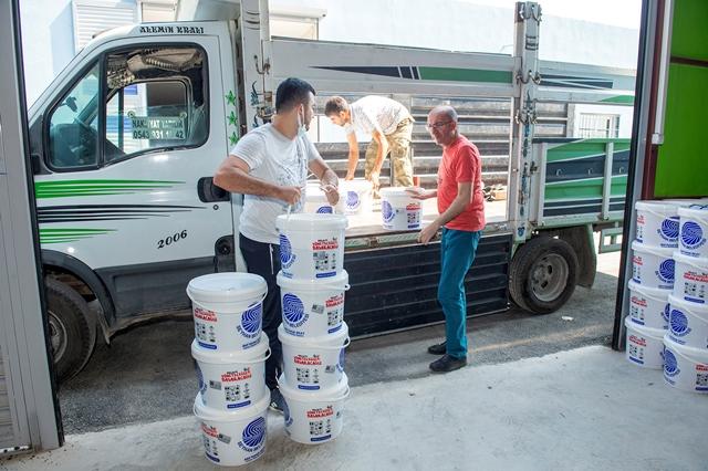 Seyhan Belediyesi'nden Kamu kurumlarına 47 ton boya desteği