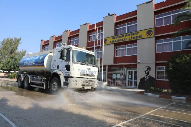 Yüreğir Belediyesi okullarda temizlik seferberliği başlattı