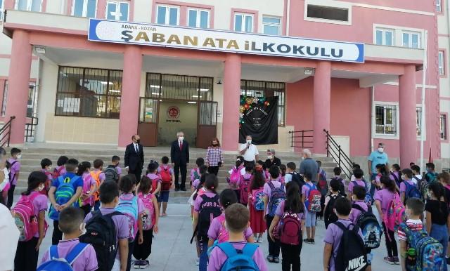 Bakan Yardımcısı Bilgili mezun olduğu okulda öğrencilerle buluştu